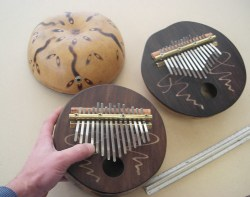 KALIMBA gigante With microphone